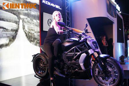 """Chan dai """"dot chay"""" xe sang Audi va moto khung Ducati - Anh 10"""
