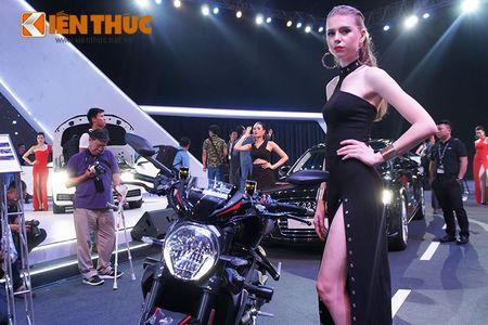 """Chan dai """"dot chay"""" xe sang Audi va moto khung Ducati - Anh 4"""