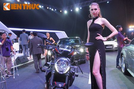 """Chan dai """"dot chay"""" xe sang Audi va moto khung Ducati - Anh 8"""