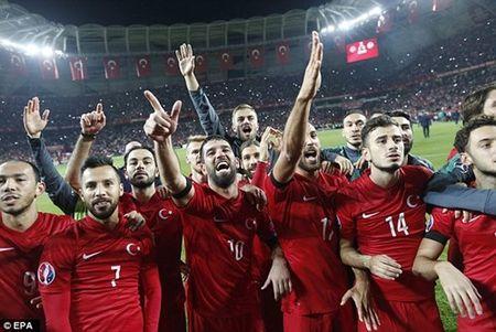 Euro 2016 Tho Nhi Ky - Croatia: Ke ngang duong kho chiu - Anh 1