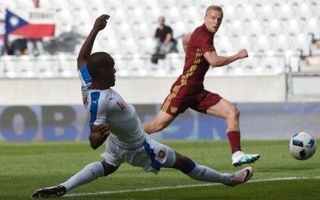 Ngoi sao bong da gia tu su nghiep sau VCK Euro 2016 - Anh 2