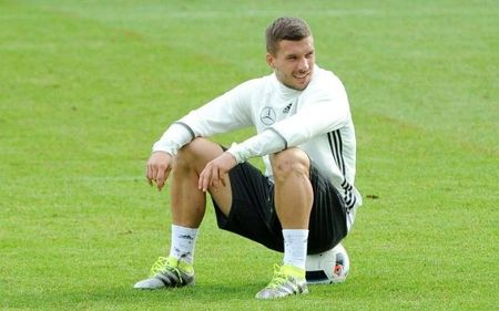 Ngoi sao bong da gia tu su nghiep sau VCK Euro 2016 - Anh 7