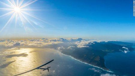 May bay nang luong mat troi Solar Impulse 2 den New York, tiep tuc bay quanh the gioi - Anh 1