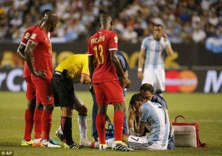 Angel Di Maria co nguy co phai roi Copa America 2016 - Anh 1