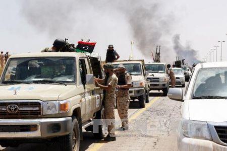 IS thuc hien ba vu bom xe lieu chet o Libya - Anh 1