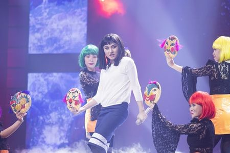 'Ban sao' Noo Phuoc Thinh quyen ru khien Hari Won muon 'lot ao' - Anh 5