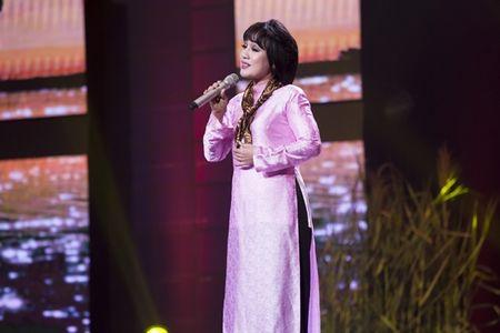 'Ban sao' Noo Phuoc Thinh quyen ru khien Hari Won muon 'lot ao' - Anh 7