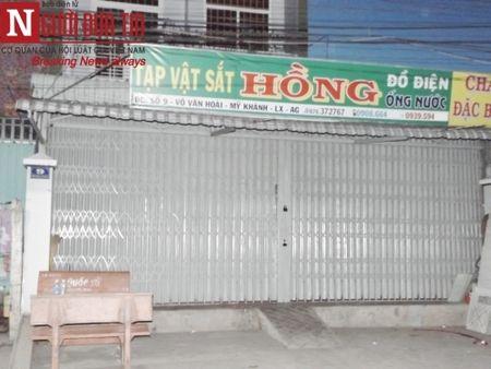Tin phap luat nong trong tuan: Truy sat bang ma tau, ruot duoi oto - Anh 8