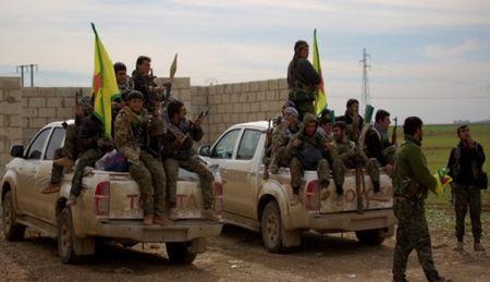 Chua giai phong Manbij, luc luong SDF ap sat thanh tri IS o Aleppo - Anh 1