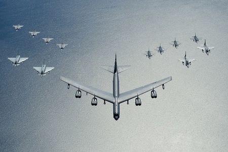 My dieu B-52 toi gan Kaliningrad - Anh 1