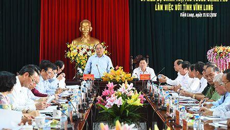 Thu tuong: Vinh Long can tap trung cho hoi nhap kinh te quoc te va phong tranh thien tai - Anh 1