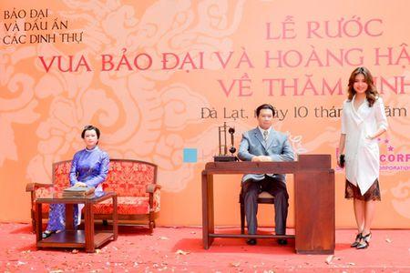 Nguoi dep HHHV Viet Nam tham du le ruoc tuong vua Bao Dai, Hoang hau Nam Phuong - Anh 2