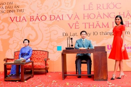 Nguoi dep HHHV Viet Nam tham du le ruoc tuong vua Bao Dai, Hoang hau Nam Phuong - Anh 4