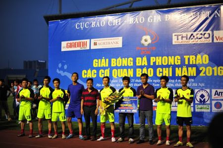 Chien thang VTV 3-0, Bao An ninh Thu do doat cup vo dich Press Cup 2016 - Anh 13