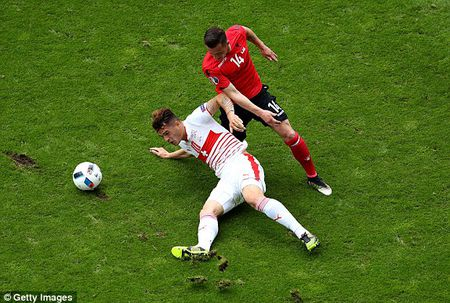 TRUC TIEP EURO: Duda go hoa cho Slovakia - Anh 17