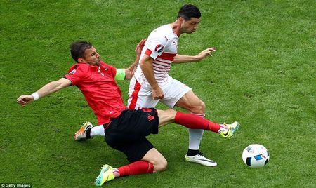 Albania thua tran van ngang cao dau - Anh 1