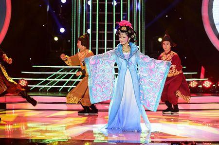Giam khao Duc Huy khen Phan Ngoc Luan dep 'chet duoc' - Anh 4