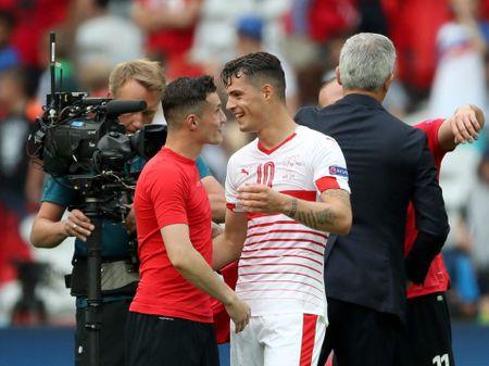 Chuyen it biet ve cap anh em ky la o EURO 2016 - Anh 1