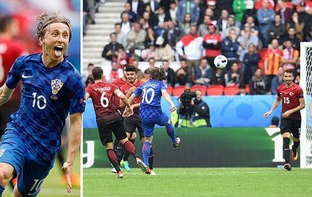 Modric toa sang, Croatia ha guc Tho Nhi Ky - Anh 1