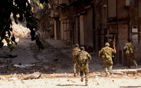 Linh thuy danh bo va lu doan 103 Ve binh Cong hoa khoi chien Kabani, Latakia - Anh 1