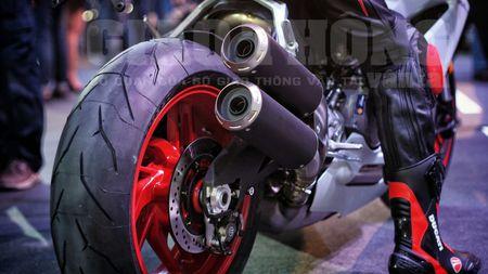 Hinh anh dau tien cua sieu pham Ducati 959 tai Viet Nam - Anh 10