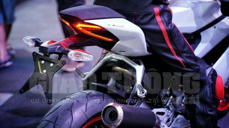 Hinh anh dau tien cua sieu pham Ducati 959 tai Viet Nam - Anh 11