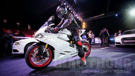 Hinh anh dau tien cua sieu pham Ducati 959 tai Viet Nam - Anh 1