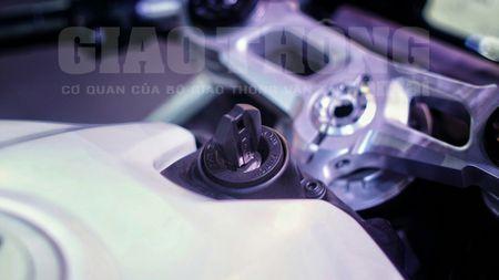 Hinh anh dau tien cua sieu pham Ducati 959 tai Viet Nam - Anh 21