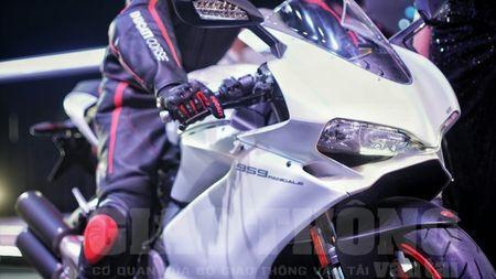 Hinh anh dau tien cua sieu pham Ducati 959 tai Viet Nam - Anh 3