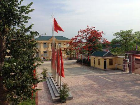 Ich Hau xoa 'hon danh' deo dang 'lang an xin' - Anh 4