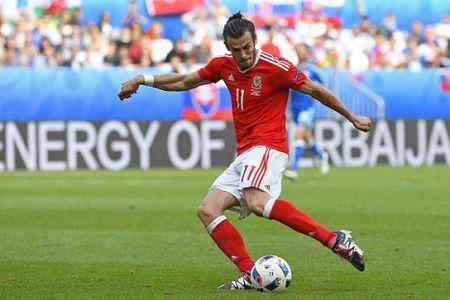 Gareth Bale phat thong diep de doa Ronaldo - Anh 1
