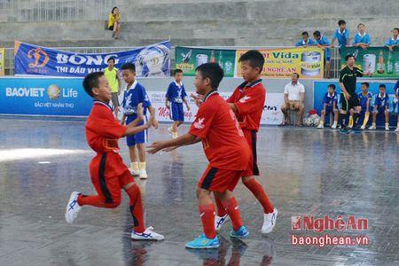 Nhi dong Yen Thanh khang dinh suc manh, Tan Ky roi giai trong tiec nuoi - Anh 4