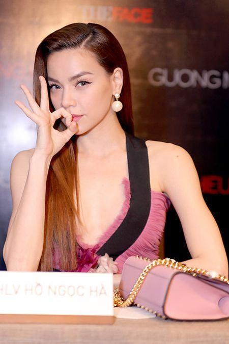 Tin nong showbiz: Hoa hau... lua dao, ca si bi fan cuong ban chet - Anh 4