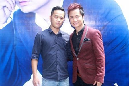 Duy Truong xin loi 'ca si tram ty' Trang Nhung tren san khau - Anh 5