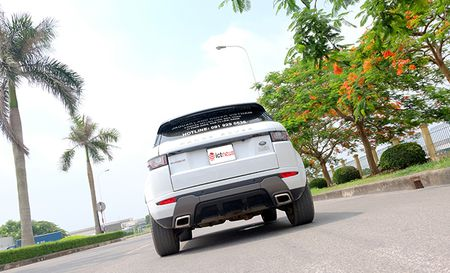 Can canh chi tiet SUV hang sang co nho Range Rover Evoque 2016 - Anh 12