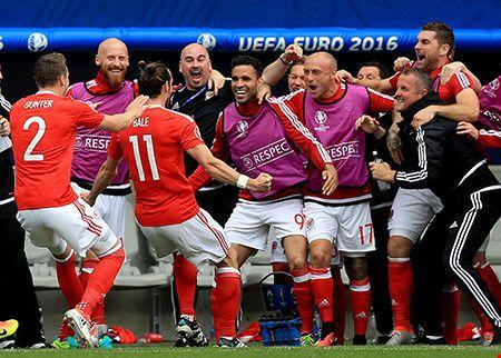 Bale toa sang, Wales co 3 diem dau tien tai Euro 2016 - Anh 1