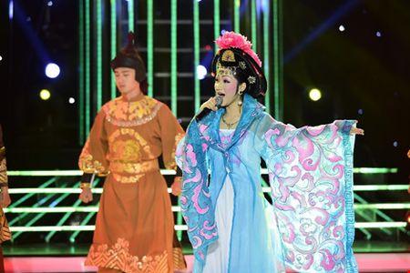 Phan Ngoc Luan gia gai, mua lua 'qua mat' Hoa Minzy - Anh 3