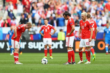 Bale toa sang giup xu Wales gianh chien thang lich su - Anh 9