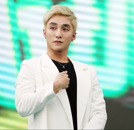 Son Tung M-TP chieu fan the hien vu dao khong giong ai - Anh 3
