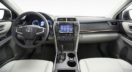 Toyota ra mat Camry 2017: Cai tien manh me, gia hap dan - Anh 19