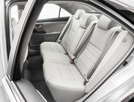 Toyota ra mat Camry 2017: Cai tien manh me, gia hap dan - Anh 22