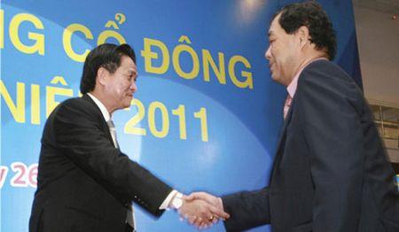 Nha ngoai cam Phan Thi Bich Hang lam giam doc, Dang Le Nguyen Vu 'ha be' vo - Anh 2