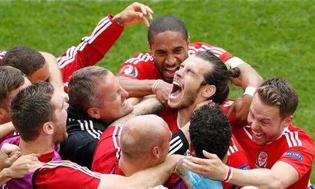 Phut xuat than cua Bale va noi nho Ryan Giggs - Anh 1