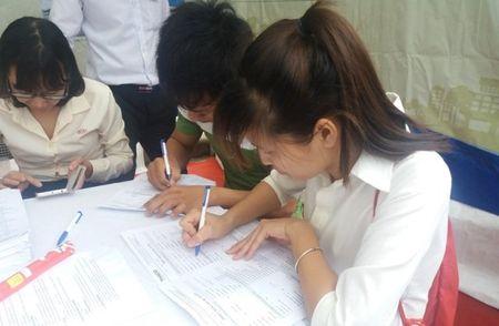 HV Nong nghiep lam thu, gui ngan hang hon 40 ty hoc phi - Anh 1