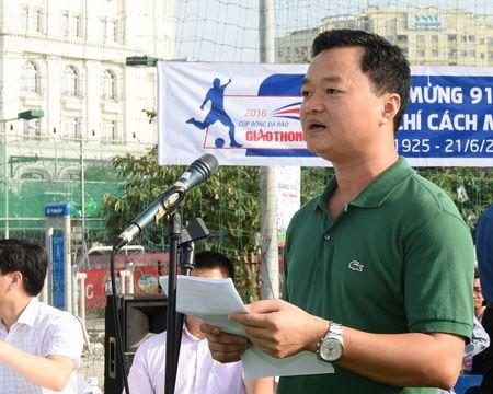 VTV dua tin giai bong da gay quy vi ATGT cua Bao Giao thong - Anh 1