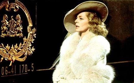 Angelina Jolie vao vai nghi pham trong tieu thuyet trinh tham cua Agatha Christie - Anh 1