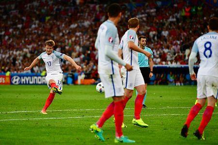 EURO ngay thi dau thu 2: Anh bi cam hoa, Bale lap cong cho Xu Wales - Anh 11