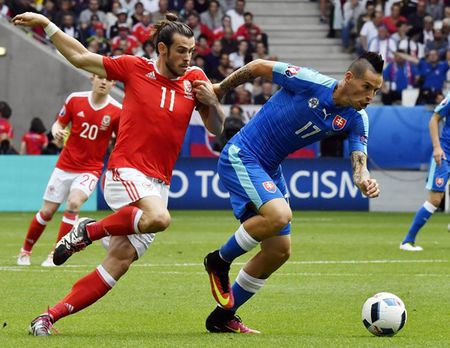 EURO ngay thi dau thu 2: Anh bi cam hoa, Bale lap cong cho Xu Wales - Anh 4