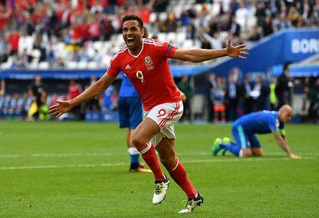 EURO ngay thi dau thu 2: Anh bi cam hoa, Bale lap cong cho Xu Wales - Anh 9