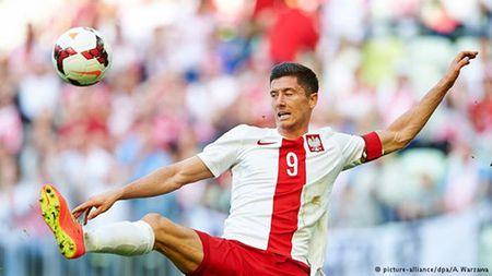Ba Lan – Bac Ireland: Dat niem tin vao Lewandowski - Anh 1